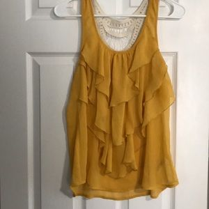 Tops - Beautiful golden yellow tank top macrame back